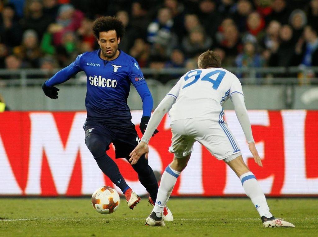 Kalahkan Dynamo Kiev 2-0, Lazio Lolos