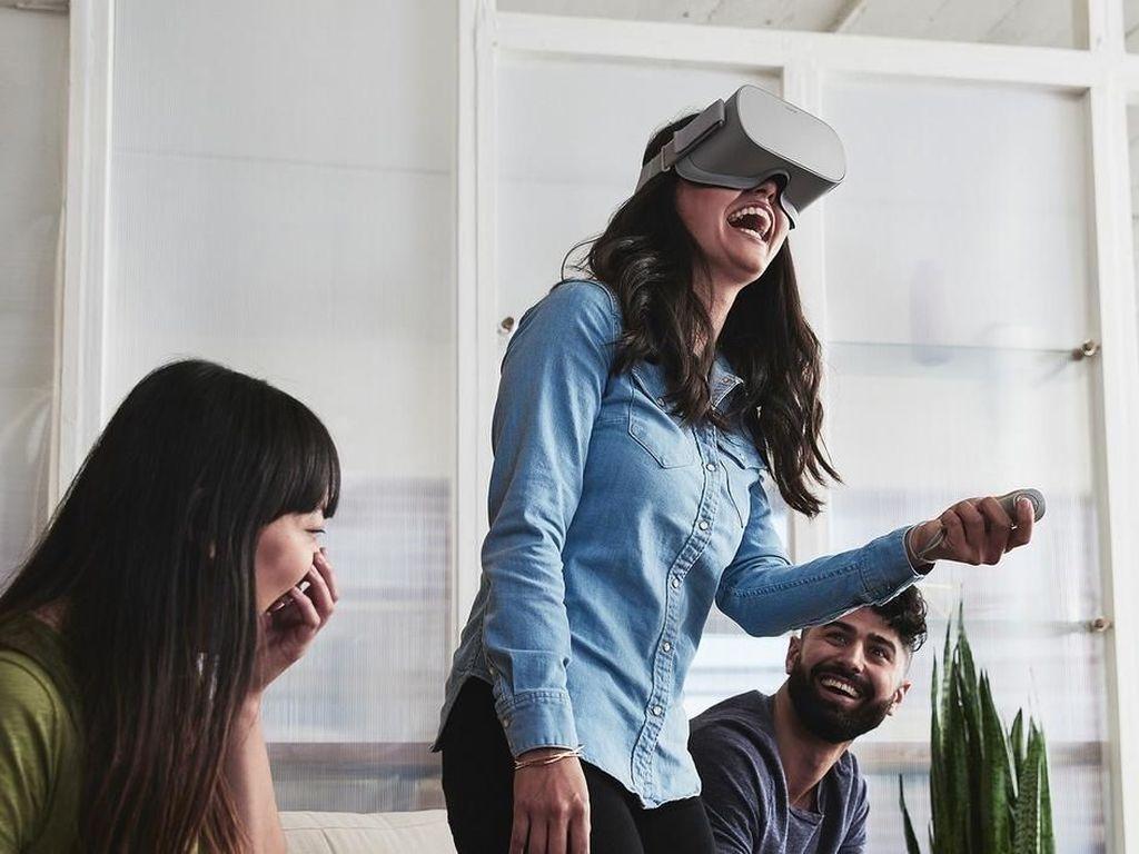 Penampakan Headset VR Murah Oculus