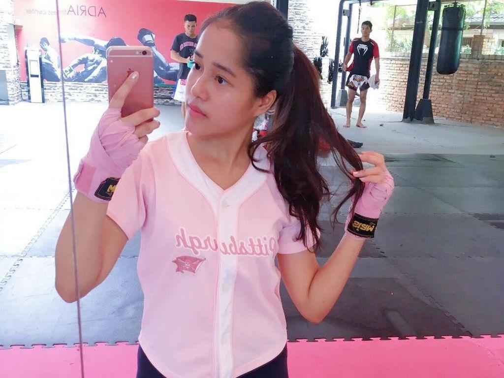 Muay Thai, Olahraganya Si Cantik Yofina Calon Ipar Shireen Sungkar