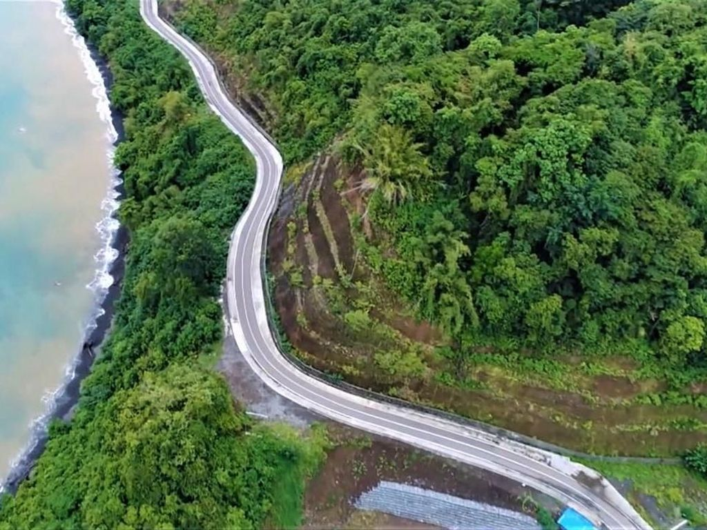 Total Jalan Nasional di Papua Capai 1.982 Km hingga 2018