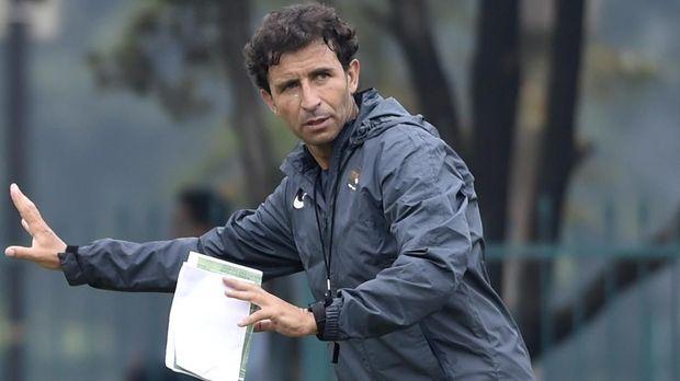 Luis Milla bersaing dengan Shin Tae Yong untuk melatih Timnas Indonesia.