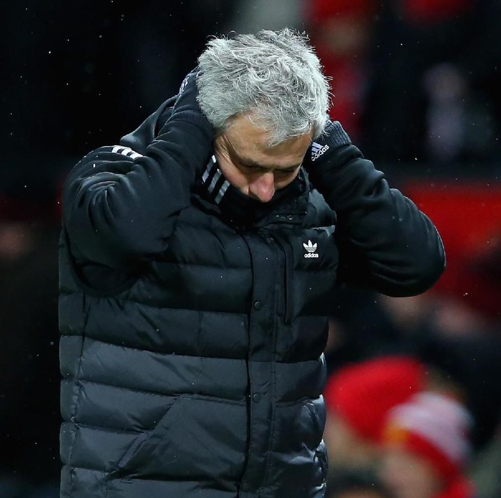 Mourinho: MU Menang, tapi Main Jelek