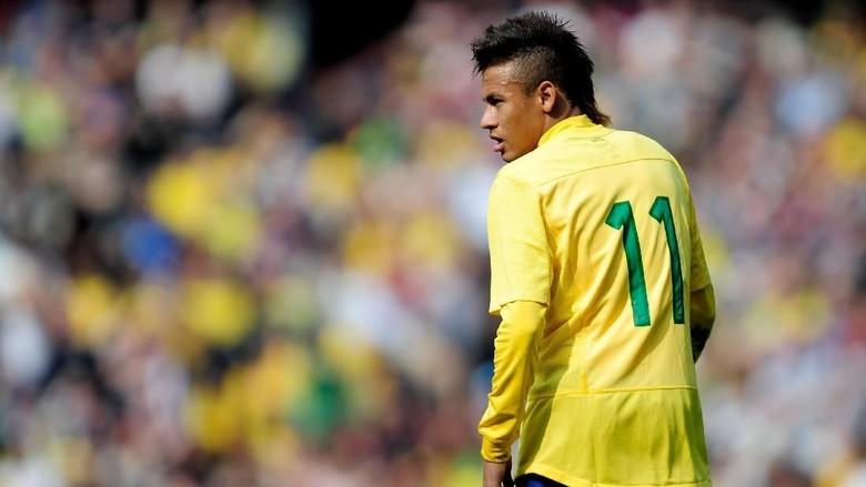 Rupa-Rupa Gaya Rambut Neymar: Mohawk, Blonde, hingga Gimbal