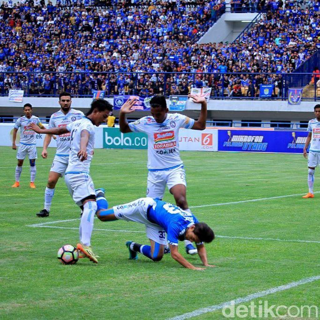 Arema FC Luncurkan Tim dan Jersey Malam Nanti