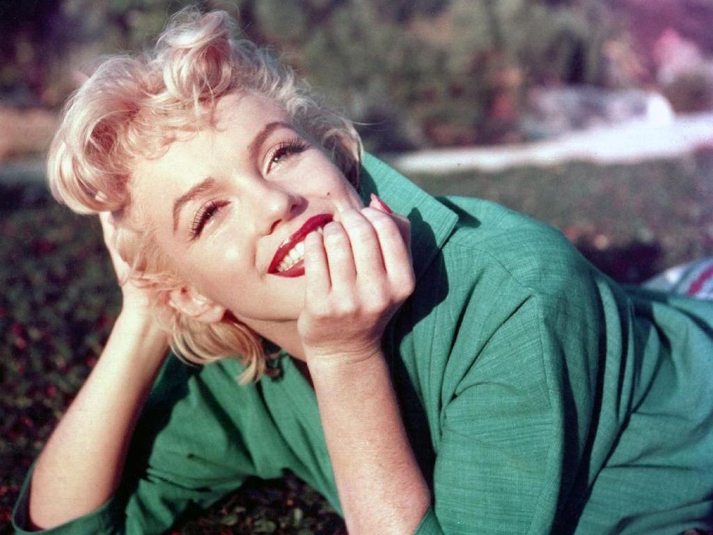 7 Rahasia Kecantikan Sang Bombshell Marilyn Monroe, Nomor 5 Paling Aneh