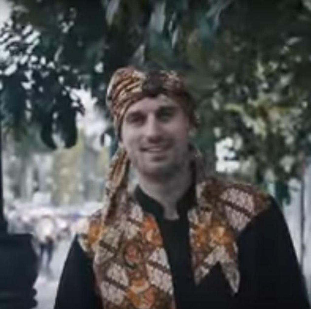 Dulu Jualan Jus, Sergei Litvinov Kini Nyanyi karena Kapok Jadi Pesepakbola