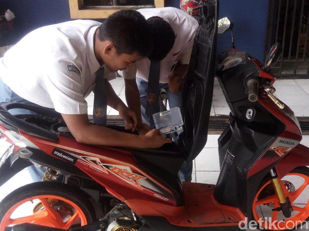 Siswa SMK di Semarang Bikin Teknologi Anti-maling untuk Motor