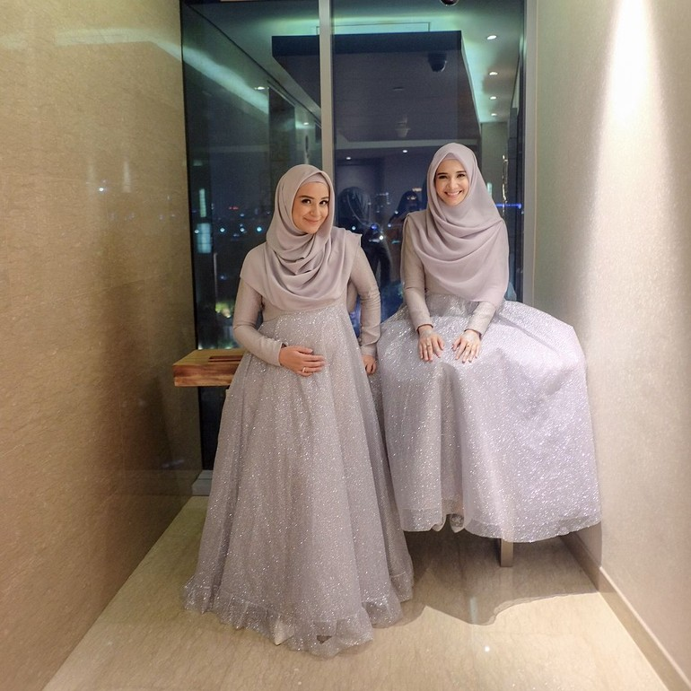 Inspirasi Baju Bridesmaid Syar I Ala Oki Setiana Dewi Hingga Zaskia