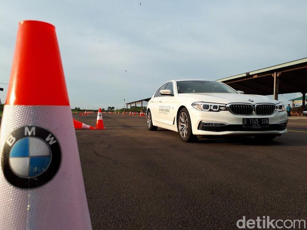 BMW 520i Dibawa Jakarta-Surabaya