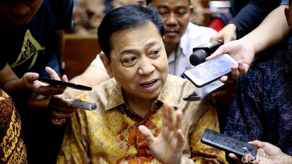 Mengapa Novanto Hadirkan Dua Politikus Golkar?