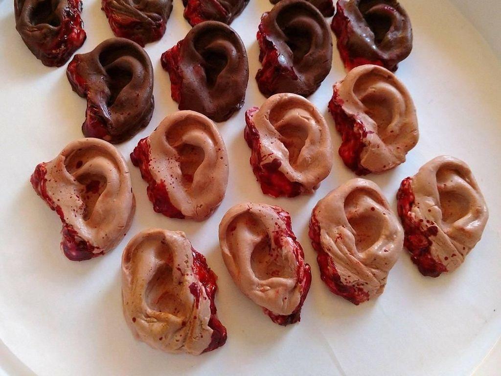 Kue Persis Bentuk Organ Tubuh Manusia hingga Serunya Gaya Makan Bastian Steel