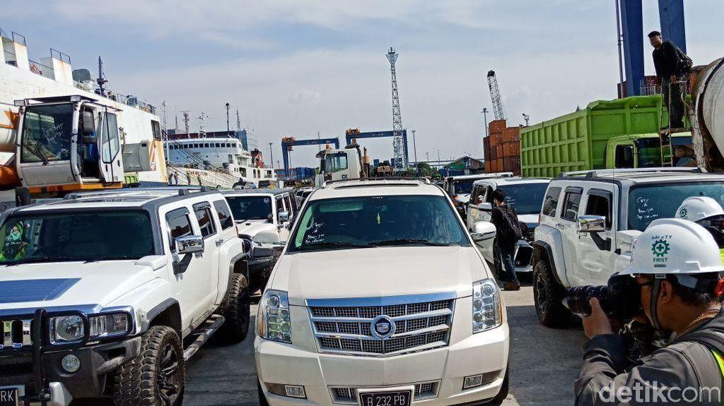 Konvoi Mobil Mewah-Moge Bupati HST yang Disita KPK
