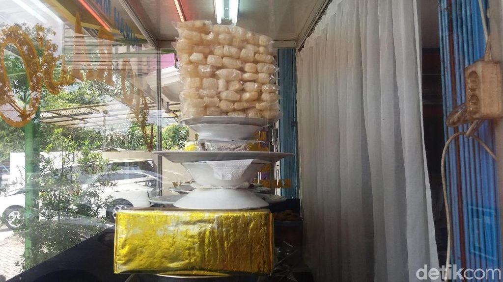 Foto: RM Padang di Jakbar yang Diacak-acak Ular Sanca 4 Meter