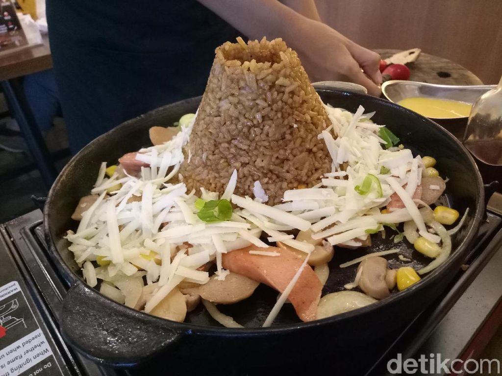 Ow My Plate: Gurih Sedap Volcano Rice dan Fish and Chips Bersaus Keju