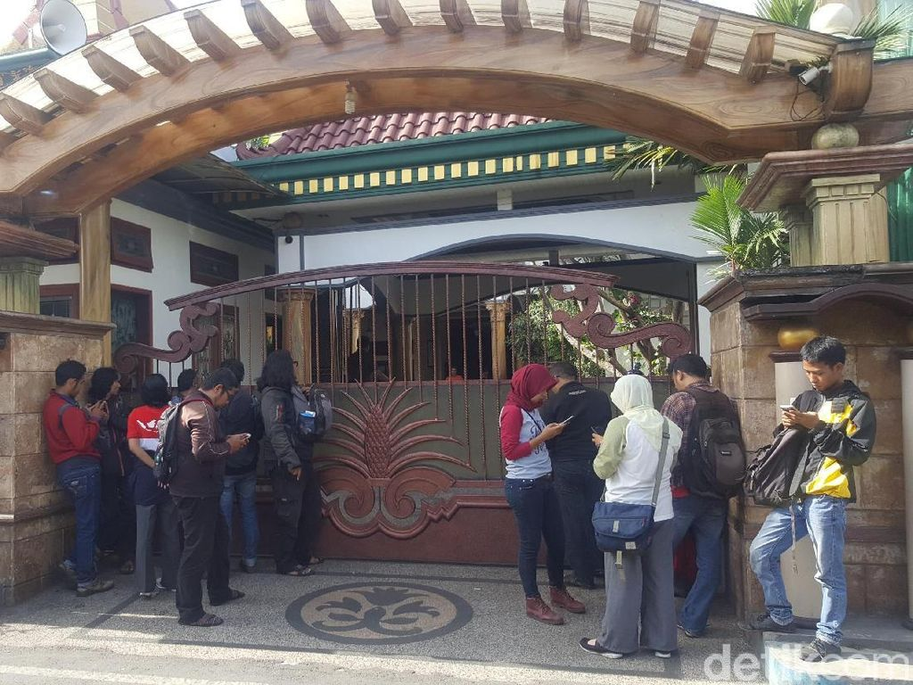 Rumah Digeledah KPK, Wali Kota Non Aktif Moch Anton Mengaku Sakit