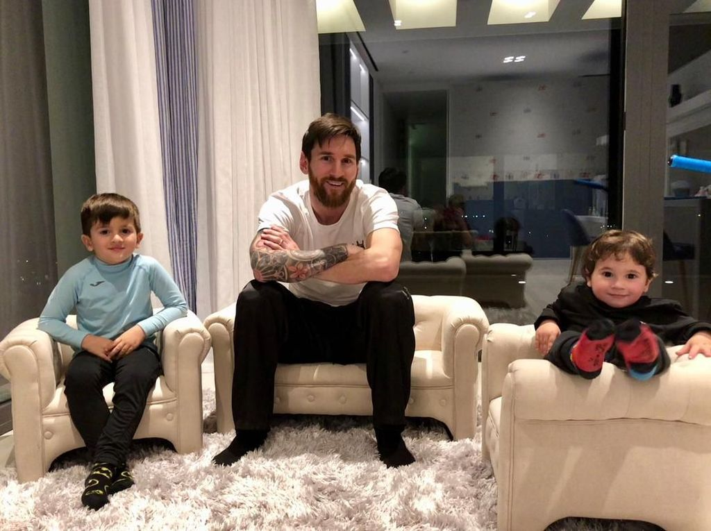 Sstt... Anak Lionel Messi Suka Ngomongin Cristiano Ronaldo