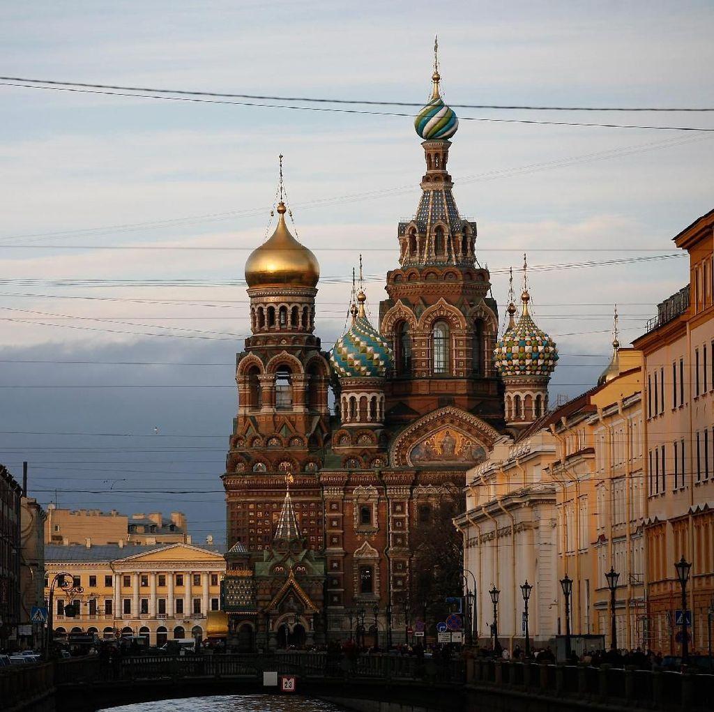 Antara Saint Petersburg, Petrograd, dan Leningrad
