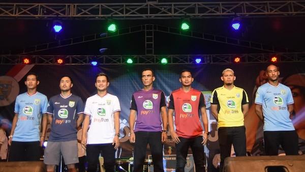 Gema Selawat Warnai Launching Persela