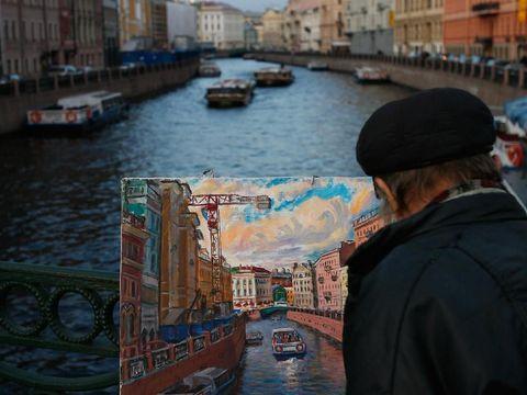Saint Petersburg punya banyak kanal