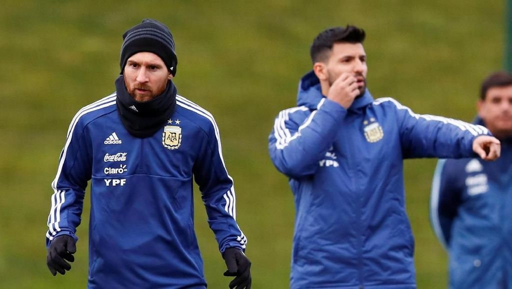 Halo Manchester! Messi Datang