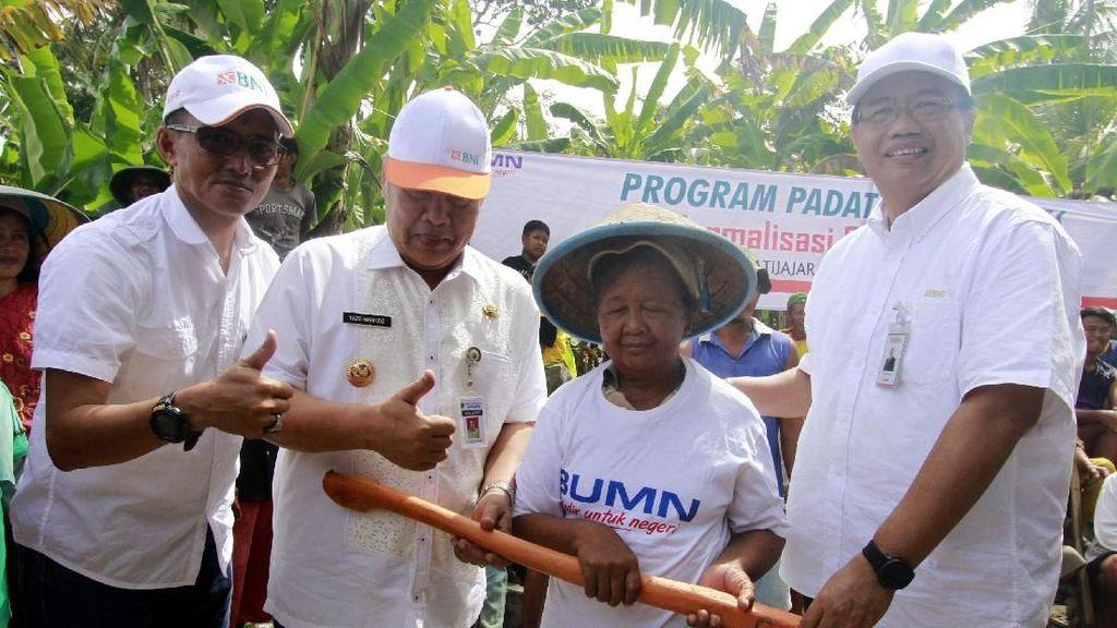 BNI Gelar Program Padat Karya Tunai di Tiga Provinsi