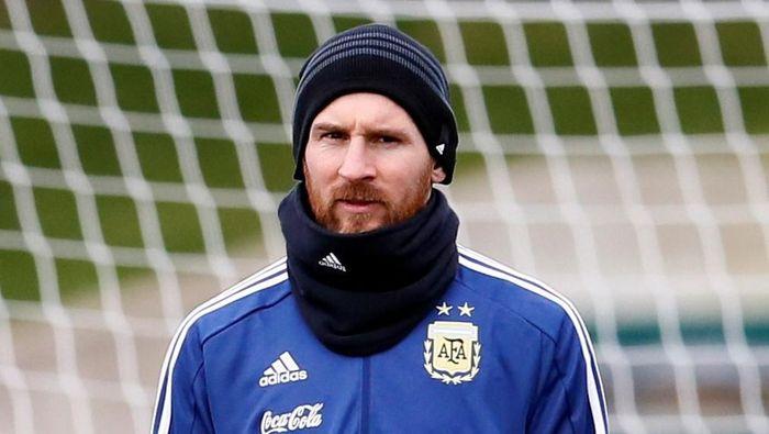 Lionel Messi sedang dalam kondisi yang tidak fit di ajang uji coba internasional. (Foto: Jason Cairnduff/Action Images via Reuters)