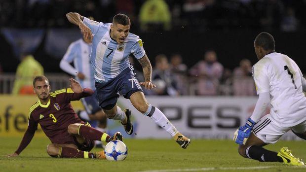 Mauro Icardi baru mampu mencetak satu gol dari delapan caps bersama timnas Argentina.