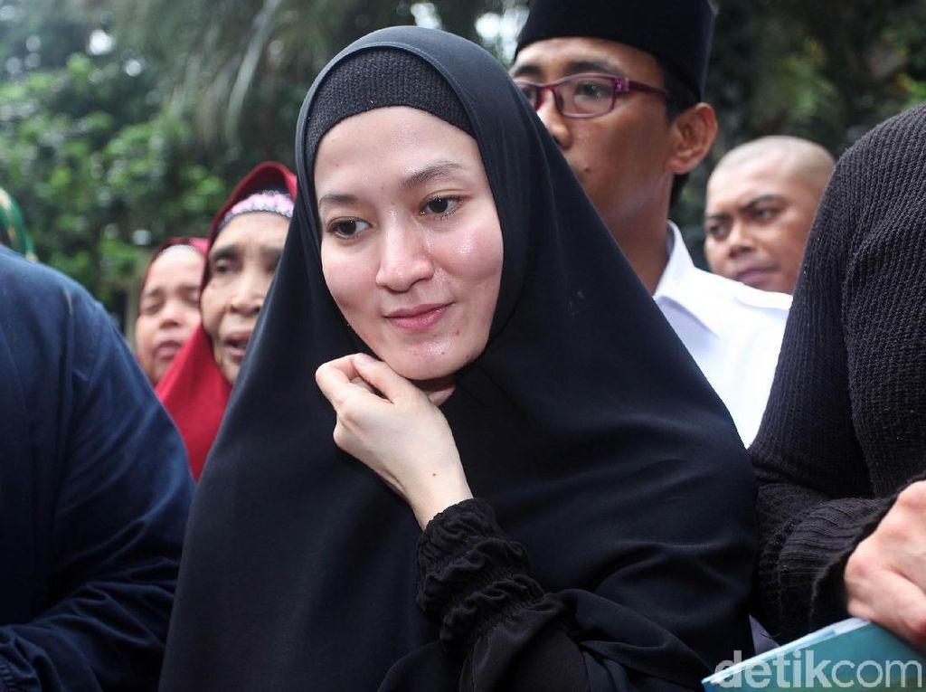 Lyra Virna Belum Tahu Usaha Rumah Bernyanyinya di Makassar Disegel Pemkot