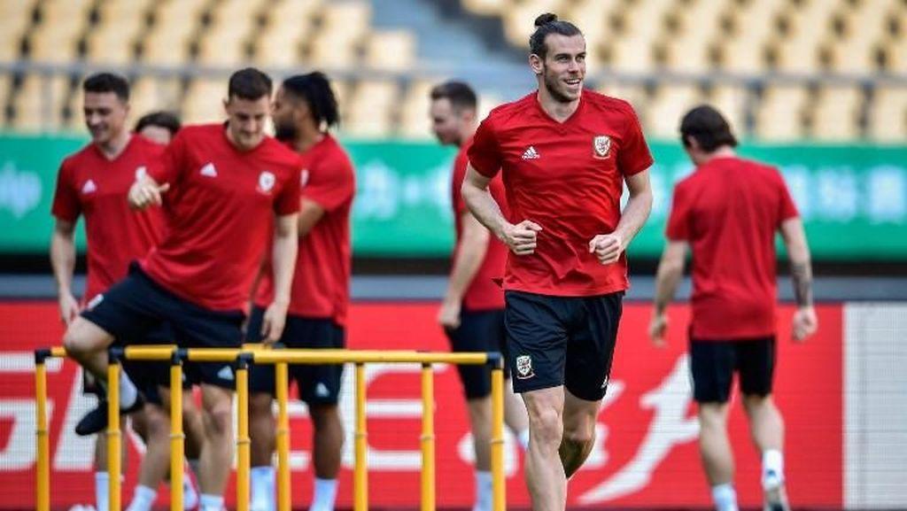 Dilema Giggs Terkait Bale