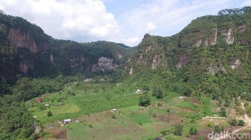 Foto Drone: Oh Indahnya Ngarai Sianok