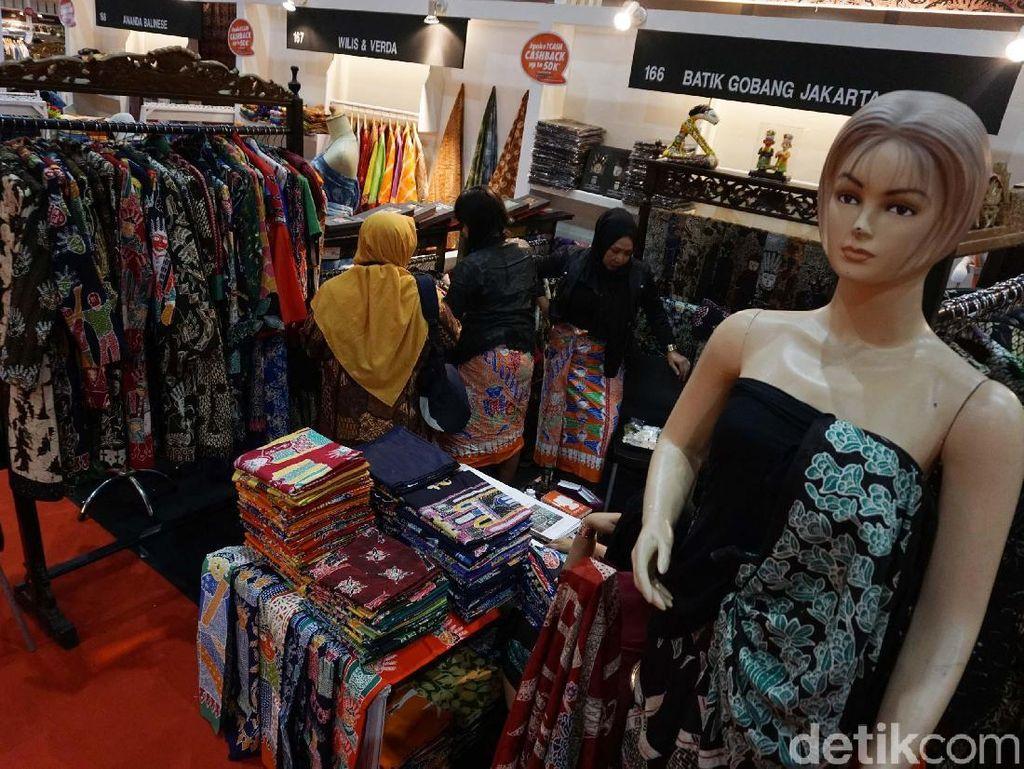 Ratusan UKM Pamer Produk di Telkom Craft Indonesia
