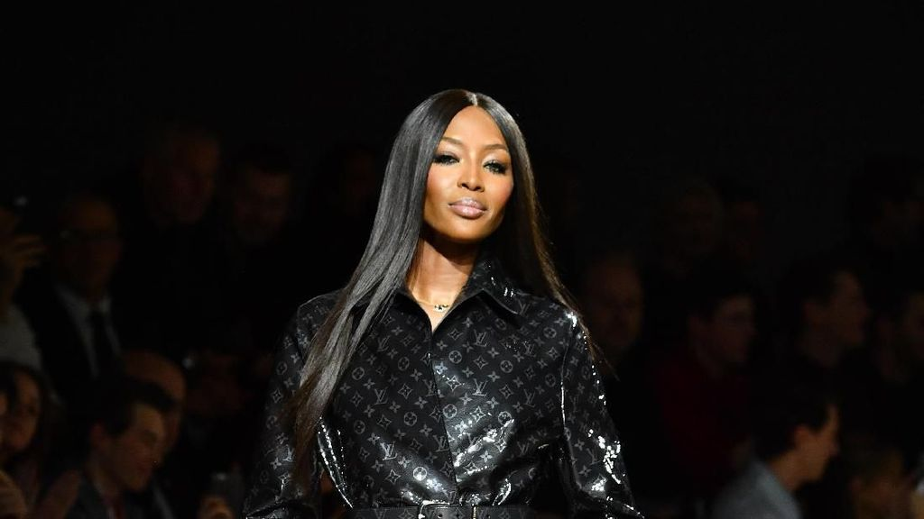 Naomi Campbell Akan Terima Penghargaan Ikon Fashion 2018