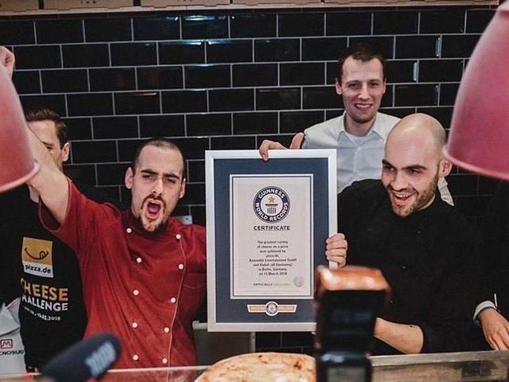 Juara! Pizza Bertopping 111 Jenis Keju Berhasil Pecahkan Rekor Dunia