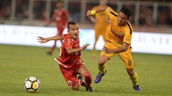 Riko Simanjutak di salah satu pertandingan Persija Jakarta. (Foto: Akbar Nugroho Gumay/Antara Foto)