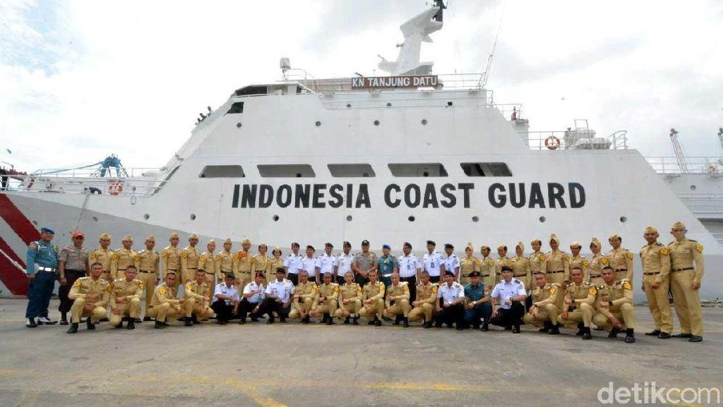 Siswa STIP Kunjungi Kapal Patroli Terbesar Bakamla RI
