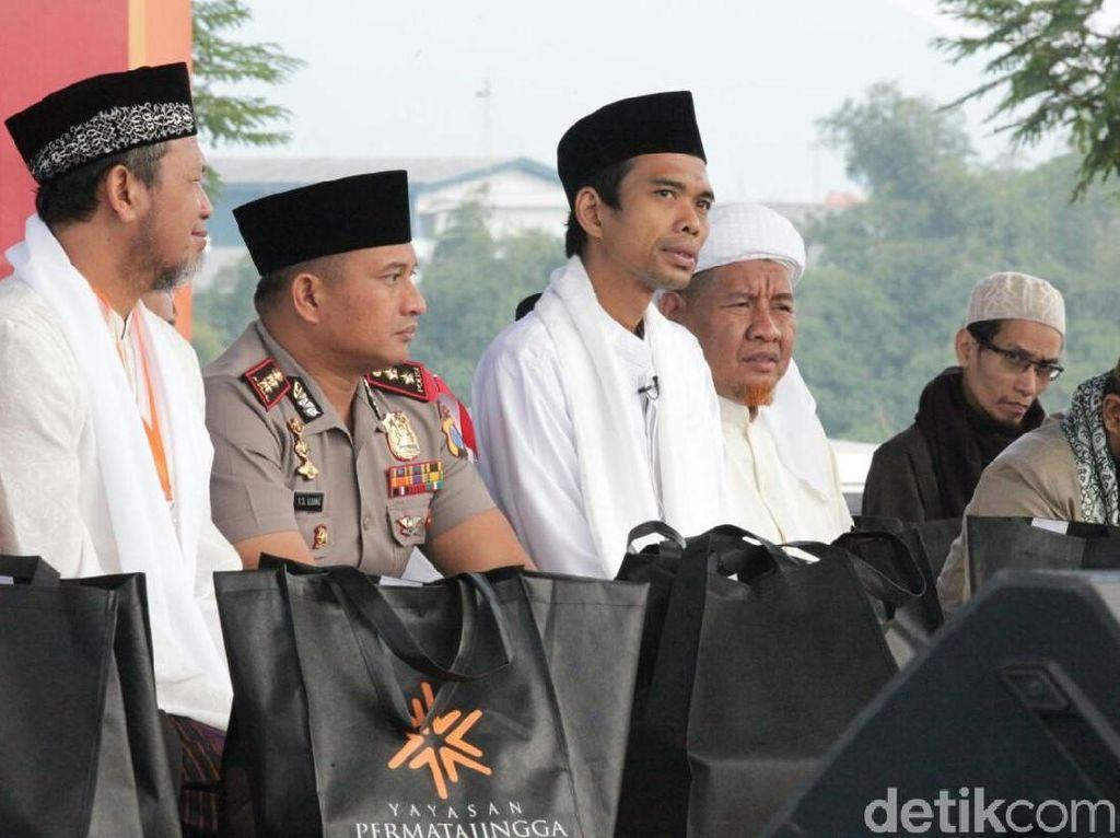 Ustaz Abdul Somad Ajak Tebar Kerukunan Warga di Malang