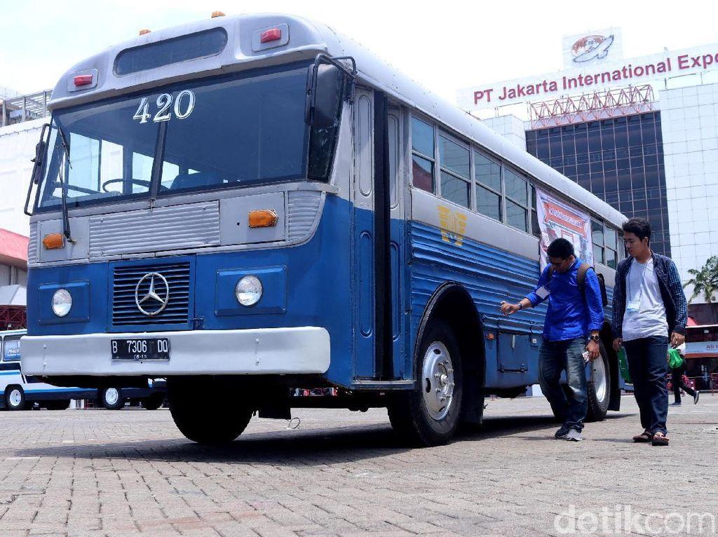 Nostalgia Bus Klasik di Pameran Classic N Unique Bus 2018