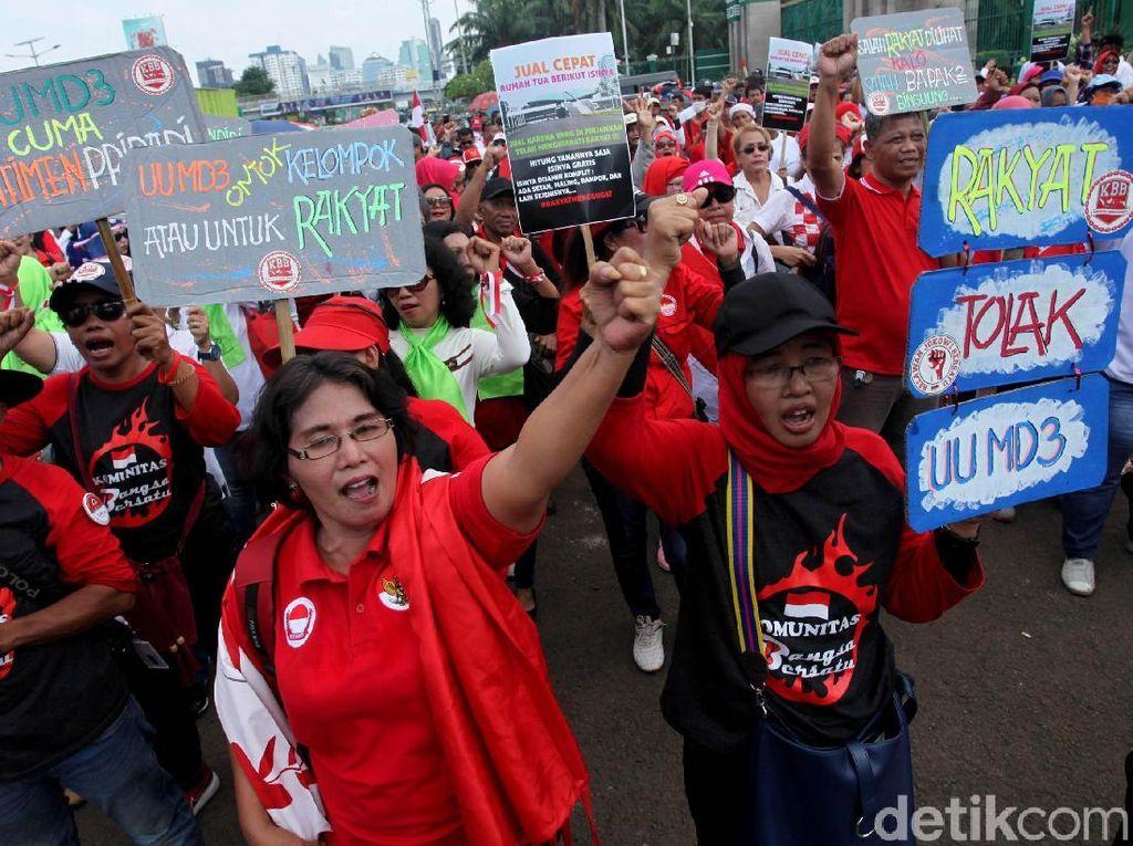 Suasana Unjuk Rasa di DPR Tolak UU MD3