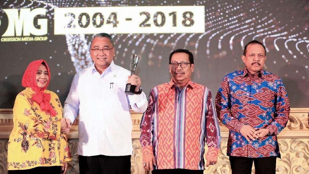 Mendes Terima Penghargaan Best Achiever in Ministry