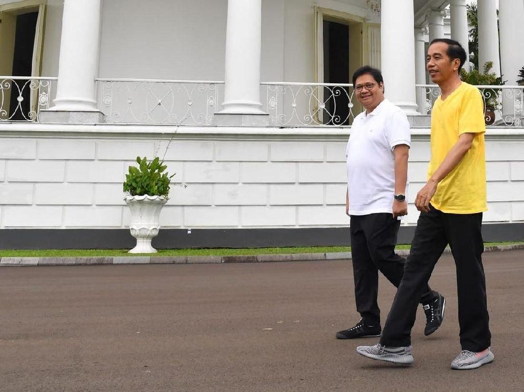 Kisah Sepatu Buccheri dan Sneakers Kegedean Jokowi