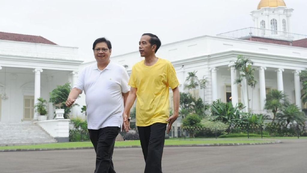 Potret Akrab Jokowi-Airlangga: Joging hingga Beri Makan Kambing