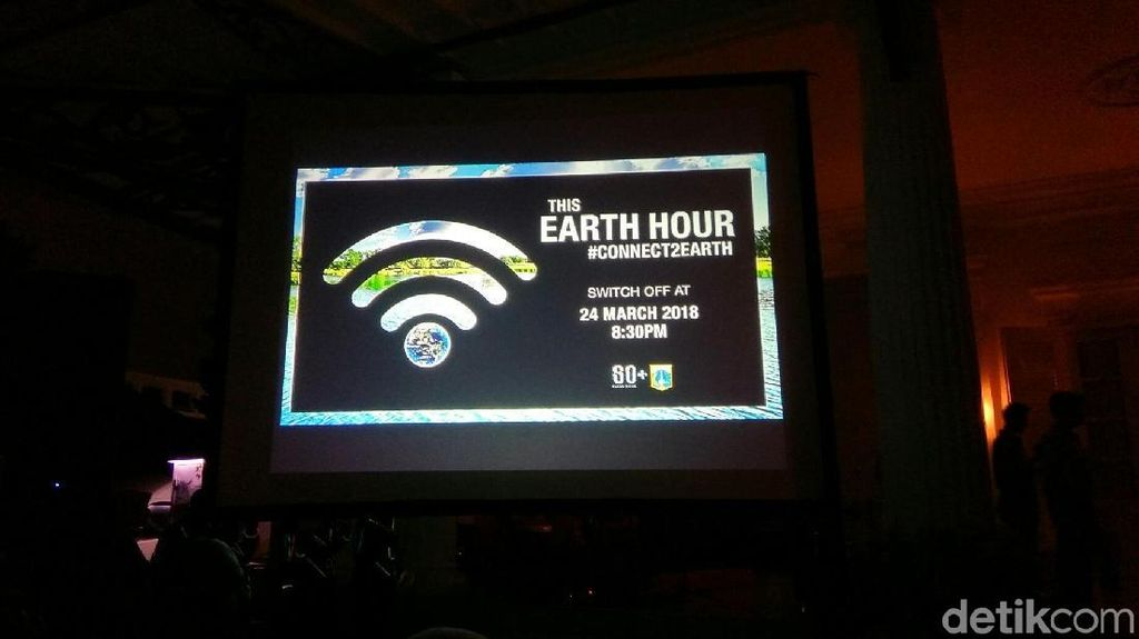 Potret Kawasan Bundaran HI-Monas Gelap Saat Earth Hour