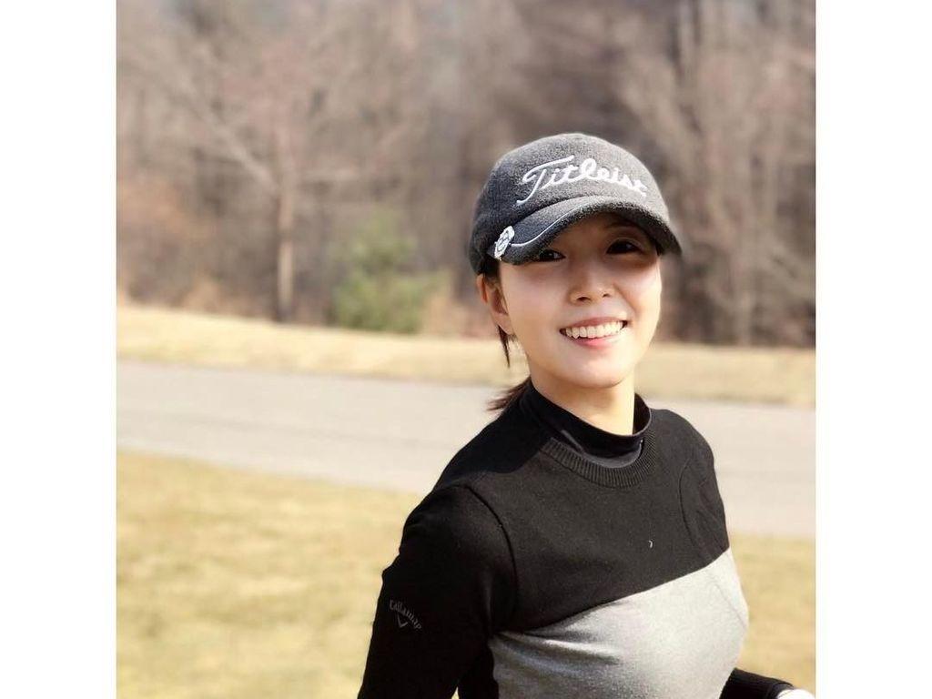 Bugar Banget! Intip Foto-Foto BoA Saat Main Golf