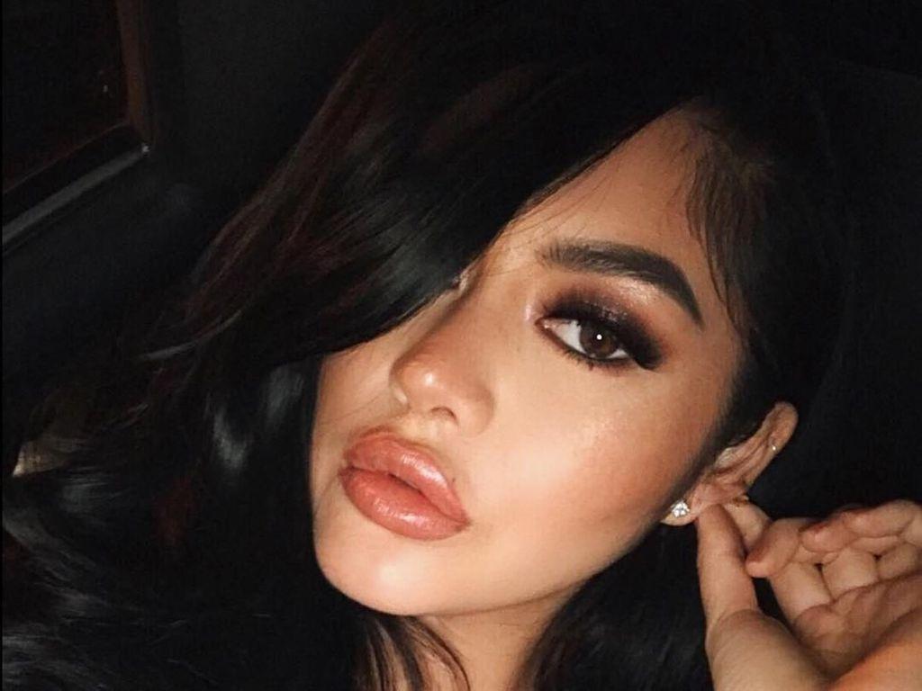 Foto: Jalan-jalannya Cewek yang Dijuluki Kim Kardashiannya Asia