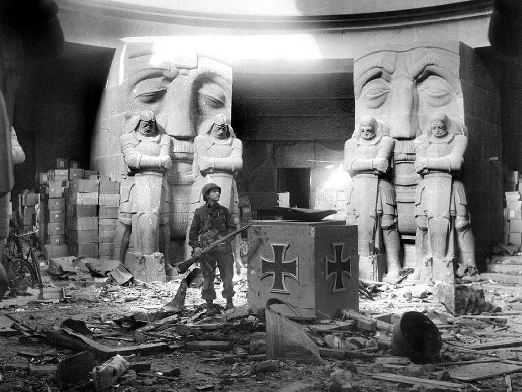Kisah Nazi yang Ngebet Cari Atlantis