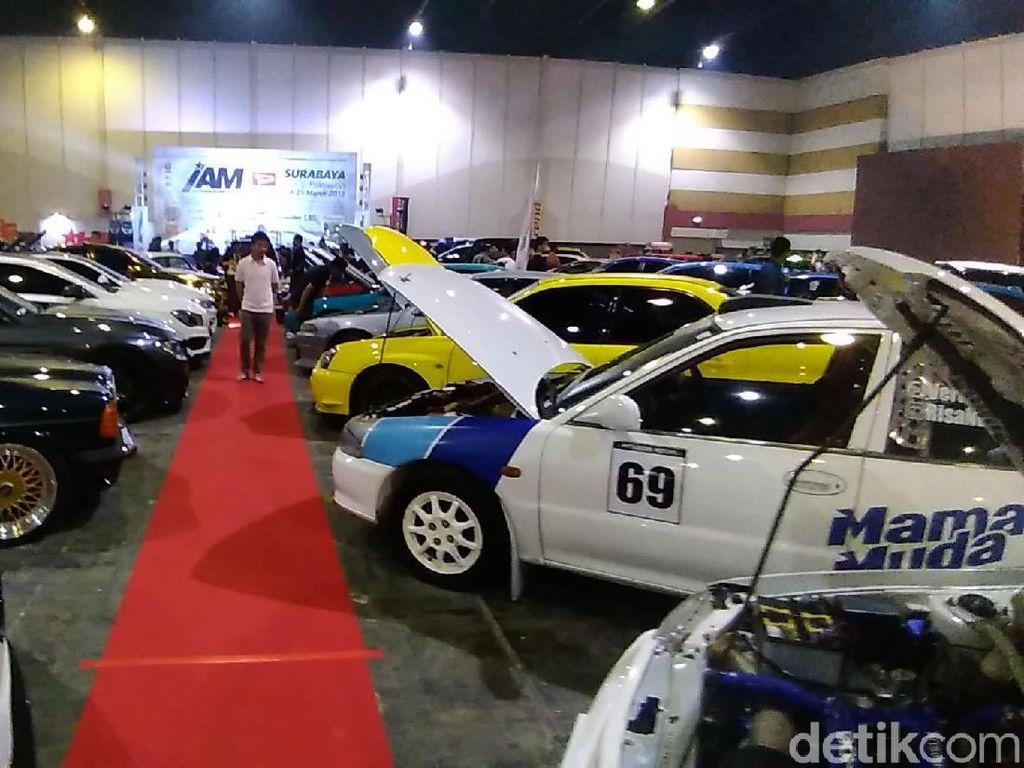 Ratusan Mobil Ramaikan Kontes Modifikasi di Surabaya