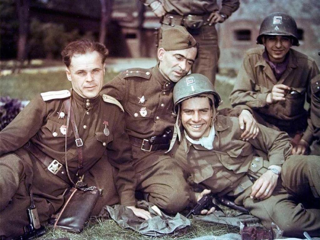 Tentara Jerman Minta Maaf karena Unggah Foto Retro Seragam Nazi