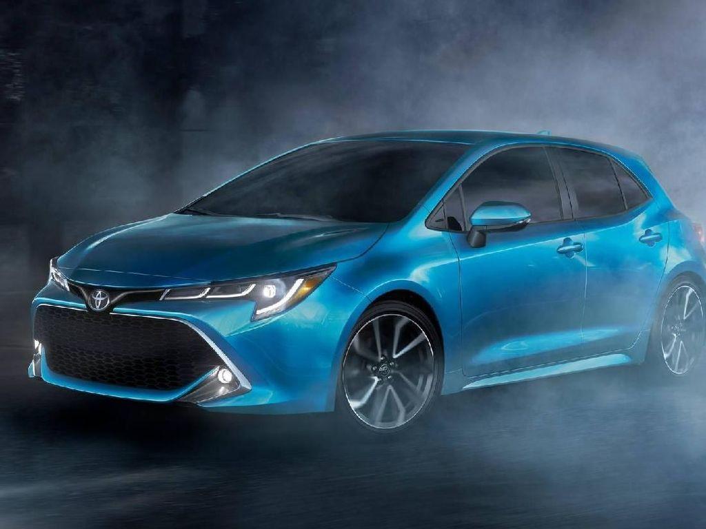 Si Cantik Tapi Bongsor, Toyota Corolla Hatchback