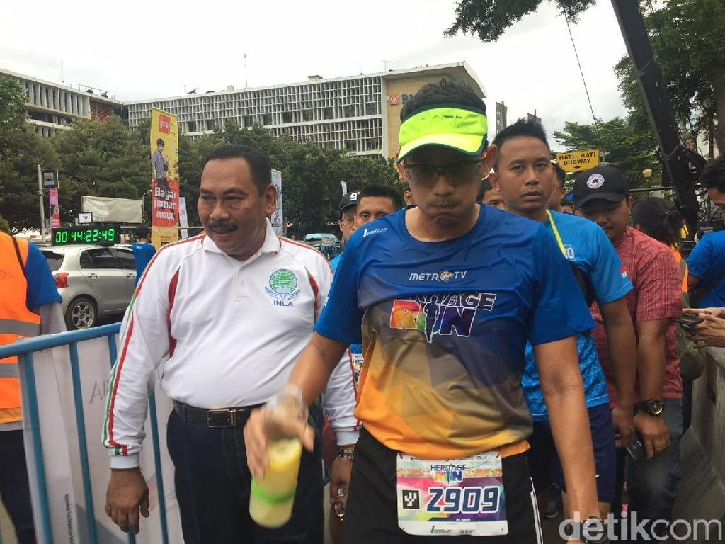 Anies Diet Karbo, Sandi Uno Andalkan Infused Water