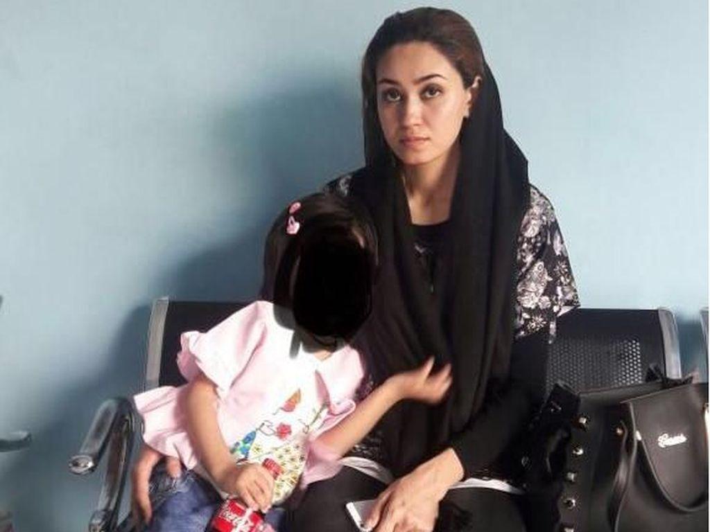 Foto: Ibu Cantik dari Pustun Afghanistan yang Terobos RI